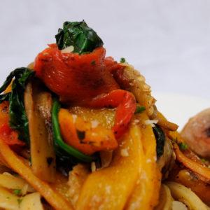 fetuccini-con-menestra-de-vegetales